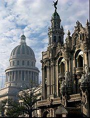 """El """"Gran Teatro"""" en La Habana Vieja, zona declarada en 1986."""